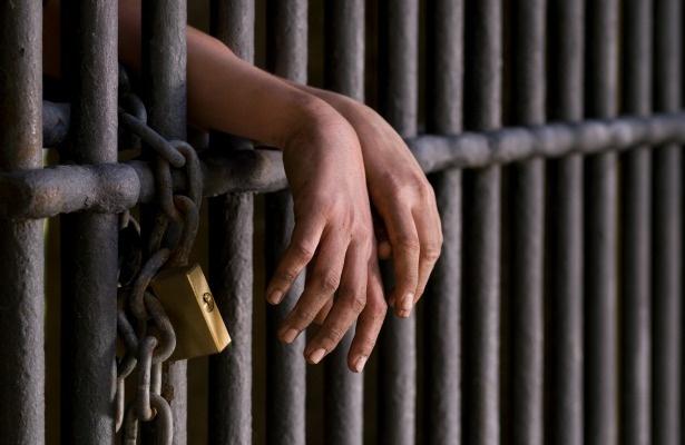 A pedido da Defensoria Pública, Justiça proíbe a exposição de presos à imprensa